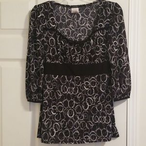 3/4 sleeve black, gray, white blouse